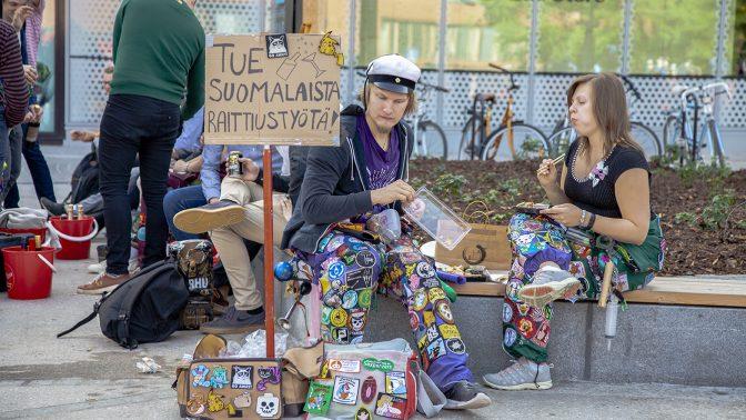 Polyteknikernas nykterhetsförening försökte tömma Alko i Otnäs men misslyckades – se bilder