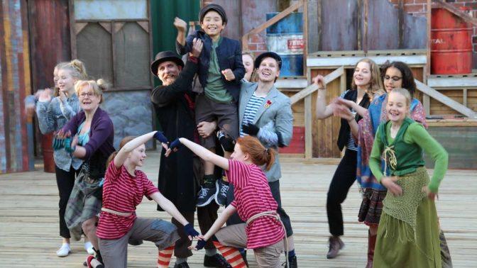 Finlandssvensk sommarteater är ung men väldigt folkkär